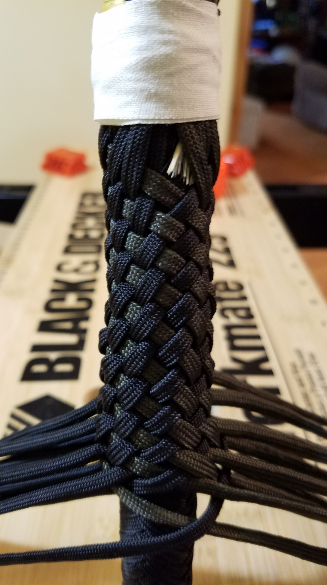 #9 tying on the overlay and starting the diamond plait